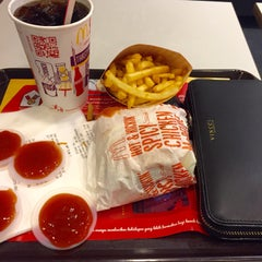 Photo taken at McDonald's by Aishah H. on 12/3/2015