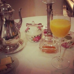 Photo taken at Hotel Opera by frisabi_ on 11/29/2012