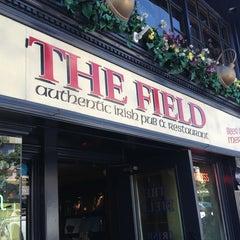 Photo taken at The Field Irish Pub & Restaurant by 🌟Misty W. on 7/30/2013