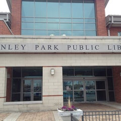 Photo taken at Tinley Park Public Library by Suli C. on 1/10/2013