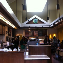Photo taken at Starbucks by Pinar T. on 10/8/2013