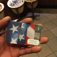 Photo taken at Starbucks by Jizzle G. on 11/8/2014