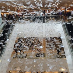 Photo taken at Neiman Marcus by susieschmoozee on 9/27/2014