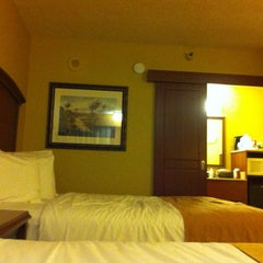 Photo taken at Rosen Inn at Pointe Orlando by Beto on 2/24/2013