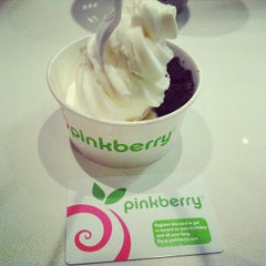 Photo taken at Pinkberry by Emily M. on 7/13/2013