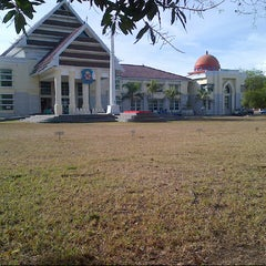 Photo taken at Kantor Bupati Jeneponto by Akbar I. on 11/17/2013
