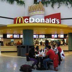 Photo taken at McDonald's by 'Rosli R. on 10/23/2014