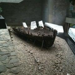 Photo taken at Musée de la Civilisation by Dilan C. on 10/3/2012