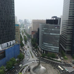 Photo taken at JRセントラルタワーズ (JR Central Towers) by Katsumi Y. on 6/26/2015