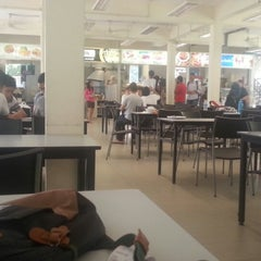 Photo taken at Curtin University Canteen @ Block C by Yinglei Z. on 5/27/2013