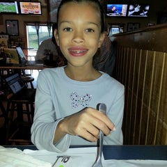 Photo taken at Buffalo Wild Wings by Tami J. on 9/27/2012