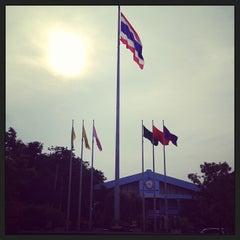 Photo taken at โรงเรียนฤทธิยะวรรณาลัย (Rittiyawannalai School) by Petch P. on 7/8/2013