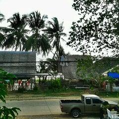 Photo taken at BaanTalay Thungwualaen by Jordane L. on 2/11/2013
