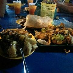 Photo taken at D'Cherang Restoran by Aiman C. on 6/21/2015