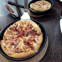 Photo taken at Pizza Hut by Redaelli M. on 8/5/2014