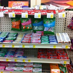 Photo taken at 7- Eleven by Dianey E. on 11/18/2012