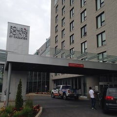 Photo taken at Four Points by Sheraton Lévis Convention Centre by Ronald L. on 8/1/2014