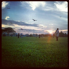 Photo taken at Taman Layang-Layang (Kite Flying) Kepong by Acaprosli on 2/9/2013