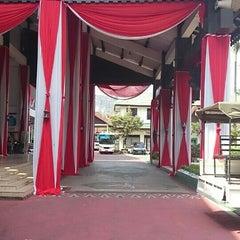 Photo taken at Kantor Walikota Banjarmasin - Pemkot Banjarmasin by Eka S. on 8/26/2015