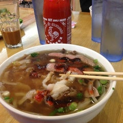 Photo taken at Oodles of Noodles Vietnamese Cuisine by Jack S. on 12/13/2012