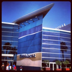 Photo taken at Centro Comercial dos Mares by Mark N. on 9/22/2012