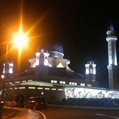 Photo taken at Masjid Abdullah Fahim by Arizal A. on 10/11/2012