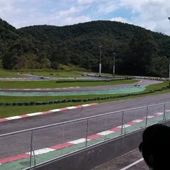 Photo taken at Kartódromo Internacional Aldeia da Serra by Vinicius F. on 3/10/2013