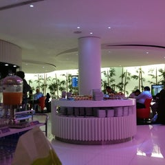 Photo taken at Lounge ANA by Lenita on 12/29/2012