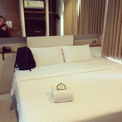 Photo taken at Metz Pratunam Hotel by sam c. on 6/20/2014