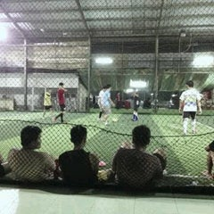 Photo taken at Cimahpar Futsal by Rizki W. on 3/12/2013