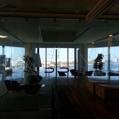 Photo taken at Dubai Chamber of Commerce & Industry غرفة تجارة وصناعة دبي by K Z. on 5/19/2013