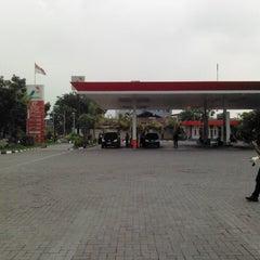 Photo taken at SPBU Pertamina 51.601.65 by Riau A. on 5/29/2013