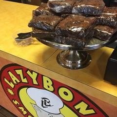 Photo taken at Lazybones Smokehouse by Margo on 5/5/2015