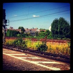 Photo taken at Bahnhof Frankfurt-Niederrad by Counti v. on 7/8/2013