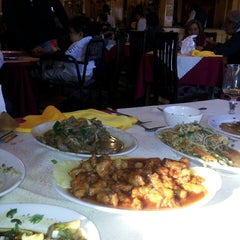 Photo taken at Restaurant Casa China by No A La Caza De Animales H. on 6/8/2013