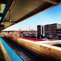 Photo taken at CTA - Halsted by Simon Taylor A. on 12/14/2012