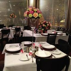 Photo taken at Restaurante Tartine by Rodrigo T. on 9/29/2012