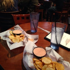 Photo taken at Wing Nutz by Melinda A. on 11/22/2014
