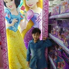 """Photo taken at Toys""""R""""Us by Julian O. on 3/8/2015"""