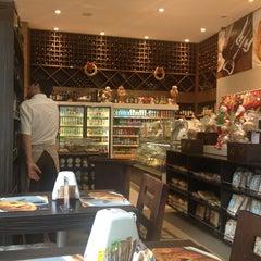 Photo taken at Pane d'Itaim by Douglas N. on 12/31/2012