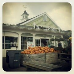 Photo taken at Delicious Orchards by Edward S. on 9/18/2012