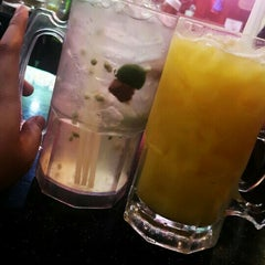 Photo taken at Restoran Air Buah Gelas Besar by Ameer F. on 11/13/2015