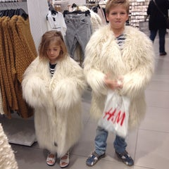 Photo taken at H&M by Olga S. on 12/21/2014