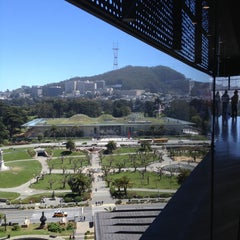 Photo taken at de Young Museum by Renée V. on 4/19/2013