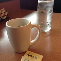 Photo taken at Denny's by Yess🎀 ✨. on 4/15/2014
