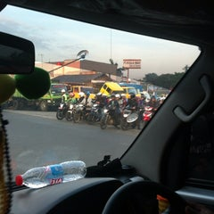 Photo taken at Gerbang Tol Cibitung by Adi M. on 3/20/2014