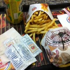 Photo taken at Burger King by Ednilson M. on 11/15/2012