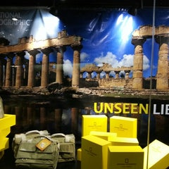 Photo taken at National Geographic Store by ★Edd H. on 8/1/2013