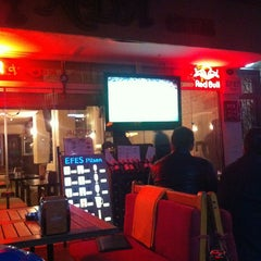 Photo taken at Alinda Cafe & Bar by Onur D. on 3/8/2013