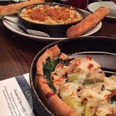 Photo taken at Uno Pizzeria & Grill - Frederick by Fawad G. on 2/1/2015